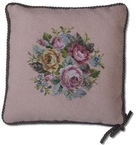 Beverley Trammed Tapestry: Small Rose Bouquet