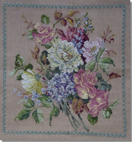 Beverley Trammed Tapestry: Fine Mesh Posy with Border