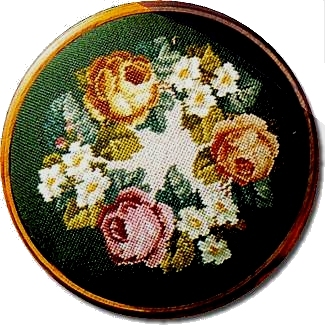 Beverley Trammed Tapestry: Rose and Daisy Wreath