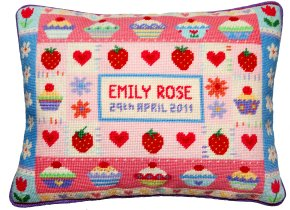 Jolly Red 'Strawberry Cupcake' Tapestry Kit